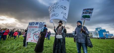 Greenpeace, Natuurmonumenten, Vogelbescherming en andere organisaties: 'Geen vakantievluchten naar Lelystad'