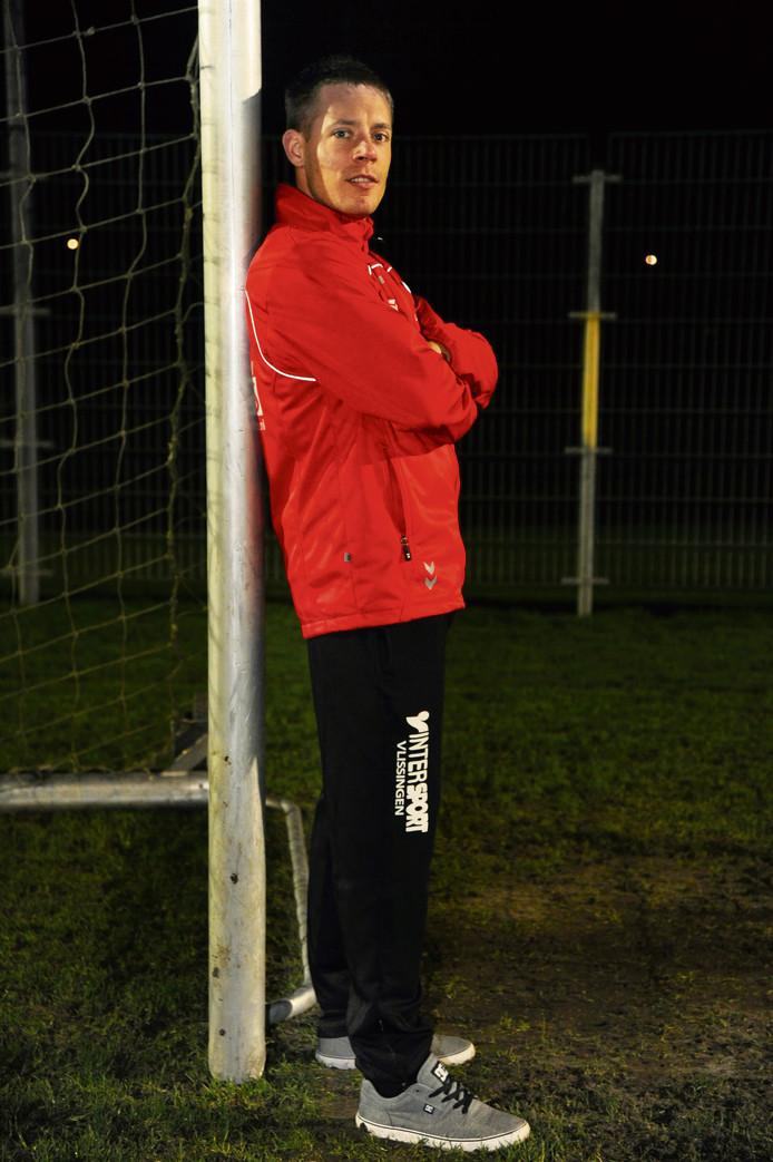 Erwin Pouwelse maakte drie doelpunten namens De Noormannen tegen Domburg. Twee keer deed hij dat uit een strafschop.