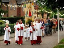 Mariaviering en –processie in Tilligte