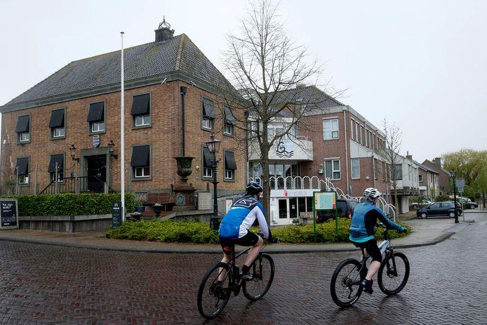Het pand aan de Kerkstraat is door de gemeente verkocht aan Estea Capital, dat er een woon-zorgcomplex van wil maken.