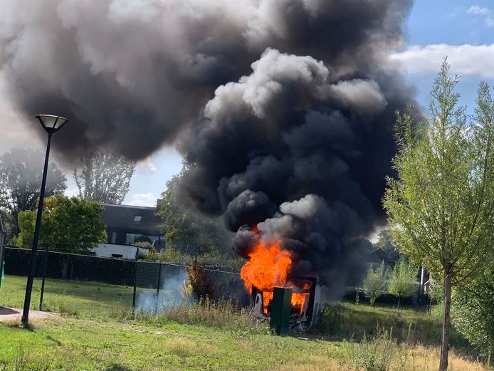 Brand in een stroomhuisje in Vlijmen.