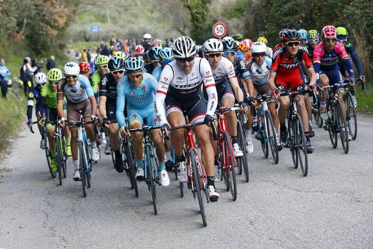 Fabian Cancellara aan kop van het klassement tijdens de Tirreno. Beeld photo_news