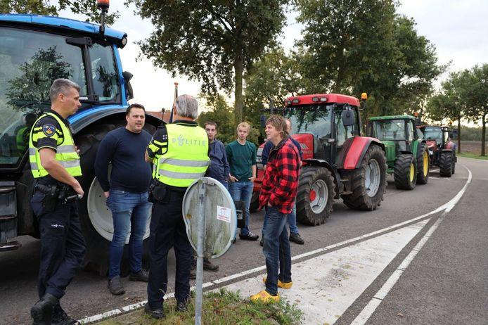 Boeren uit Steenwijk die deelnamen aan het protest bij het provinciehuis in Zwolle, krijgen nu een steuntje in de rug van de gemeenteraad van Steenwijkerland.