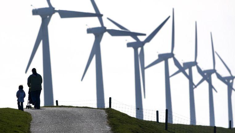 Windpark ten noorden van Urk, aan het IJsselmeer. Beeld ANP