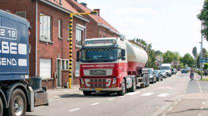 """Wase gemeenten gaan samen zwaar doorgaand vrachtverkeer aanpakken: """"Eén grote Wase zone met verbod op vrachtwagens van meer dan 3,5 ton tussen E17 en E34"""""""