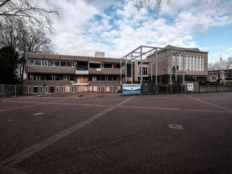 Sloop oude raadhuis hartje Zevenaar hervat: nieuw complex met grand café gereed in 2021