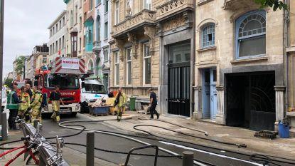 Garage brandt volledig uit in centrum Antwerpen