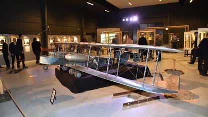 Duitse modelbommenjager blikvanger in Amb8