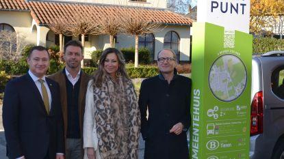 Minister Ben Weyts huldigt het eerste landelijk mobipunt van Glabbeek in