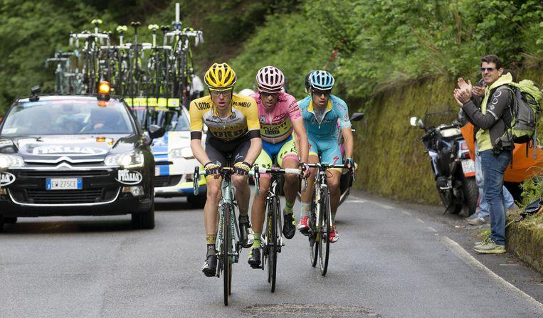 Steven Kruijswijk (links), Alberto Contador (midden) en Mikel Landa. Beeld ap