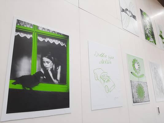 Posterproject 'Hoop' met werk van onder anderen Esther van Waalwijk en John Körmeling.