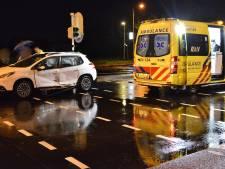 Gewonde bij botsing op kruising Ettensebaan met IABC Breda; stoplichten knipperen oranje