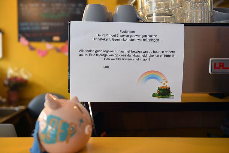 Er stond vrijdag een fooienpot in koffiehuis PEP.