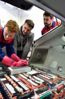 Opleiding autotechniek MBO-Rijnland breidt uit