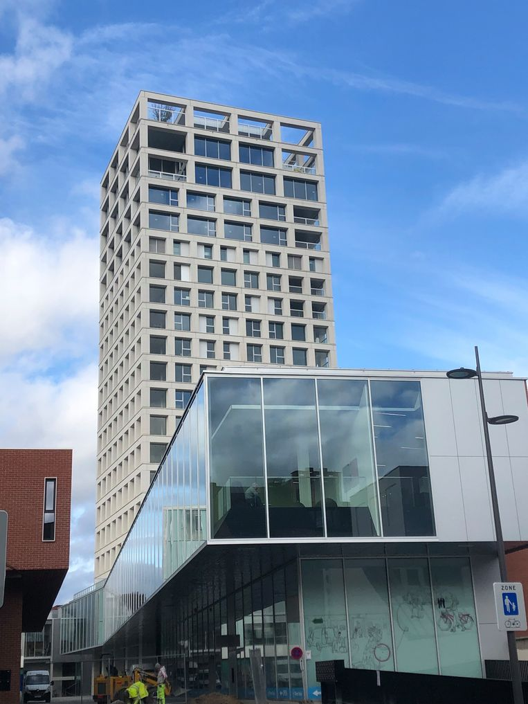 Restaurant Hert opende op de bovenste - 18de - verdieping van deze Turnova-toren