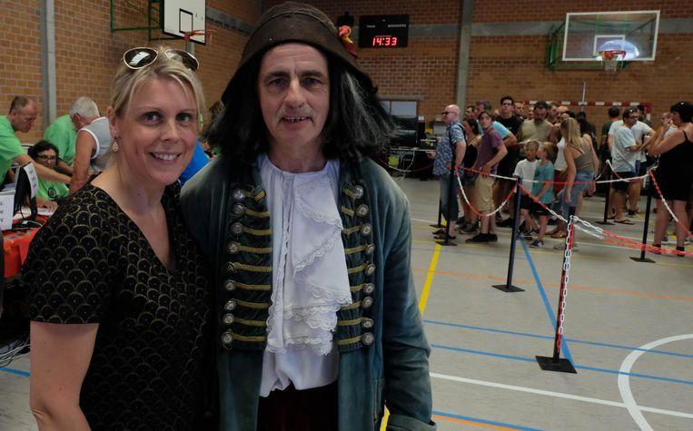 Ervaren rot Rik Wesemael bij Marleen Van Assche van de Doto-shop.