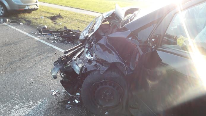 Flinke schade aan auto bij ongeluk in Chaam
