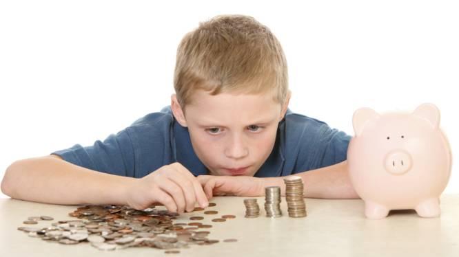 Kinderen vanaf acht jaar lenen geld aan ouders
