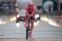 Hindley komt in het roze over de streep, maar verliest de Giro aan Geoghegan Hart.