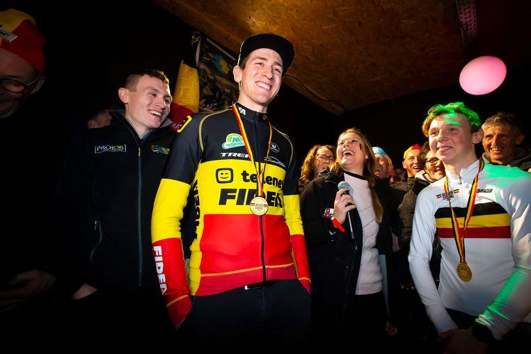 Thijs Aerts, Toon Aerts en Aaron Dockx op het podium in hun thuishaven Rijkevorsel.