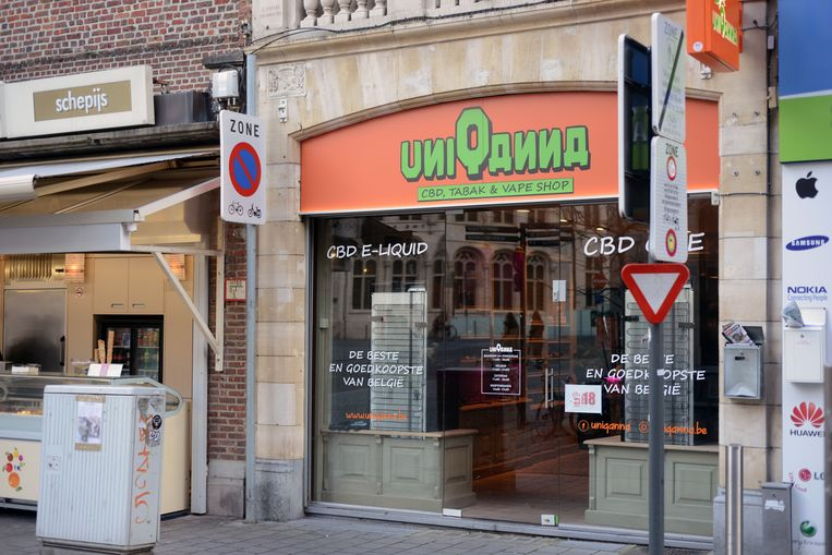 UniQanna is één van de CBD-shops in het centrum van Leuven. De uitbaters zijn niet van plan om verdere stappen te ondernemen tegen het nieuwe reglement.