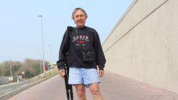 Hobbyfotograaf (64) ontsnapt aan de dood nadat hij verrast wordt door opkomend water op strand