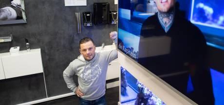Bredase tattoo-artist Tommy gaat viraal met noodkreet: 'Ik moest mijn machteloze gevoel delen'