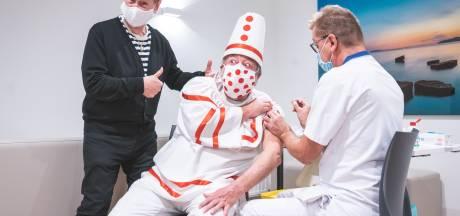 """Koen Crucke en Pierke Pierlala geven het voorbeeld: """"Laat je inenten tegen de griep"""""""