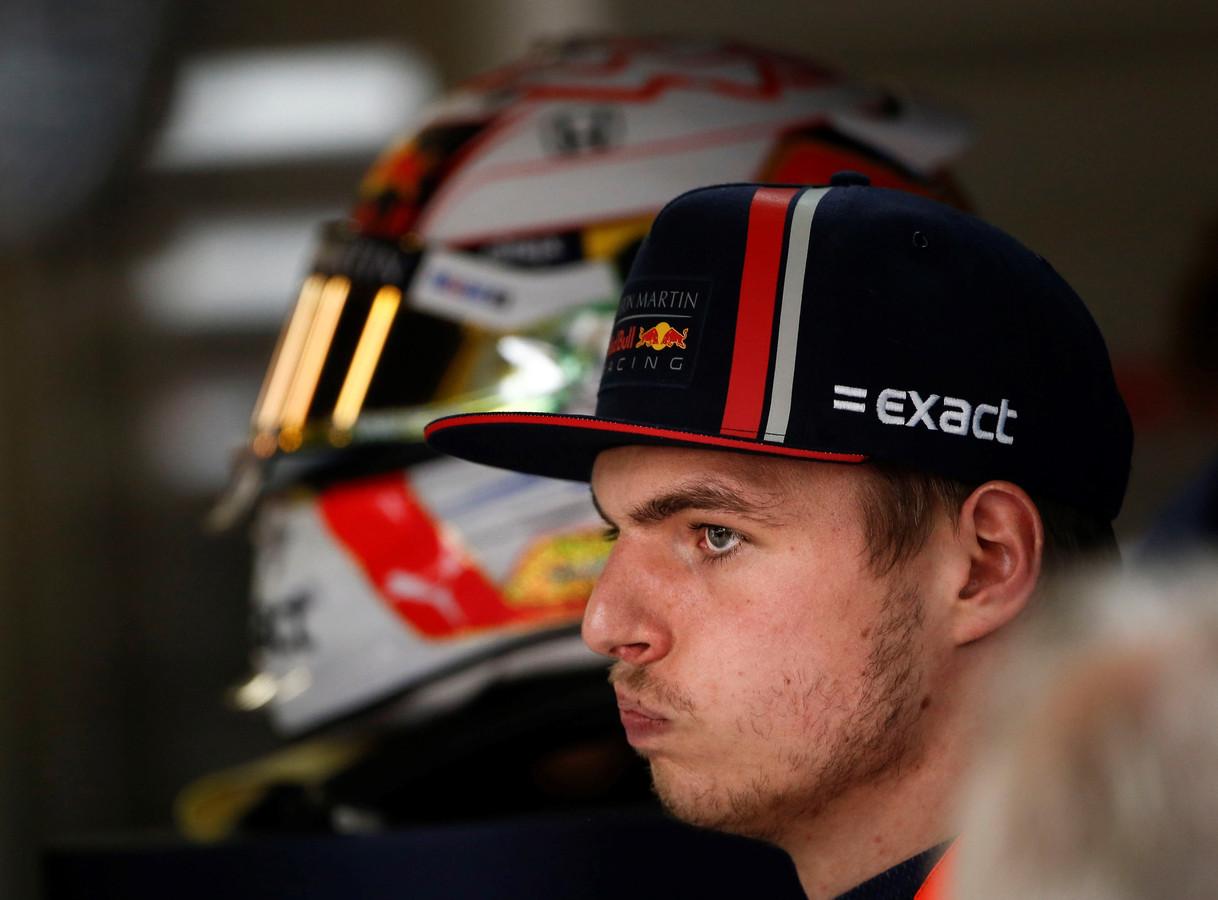Max Verstappen is niet blij met een plek op de tweede startrij.