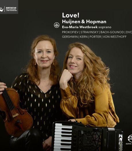 Huijnen en Hopman stappen in de rollercoaster van de liefde