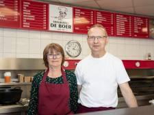 Jan (60) gooit zijn snackbar in Zutphen weer open: 'Half maart zat ik even in de piepzak'