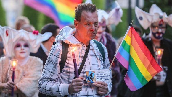 Begin mei trok een 140-tal mensen door Brussel om op te komen tegen homofoob geweld.