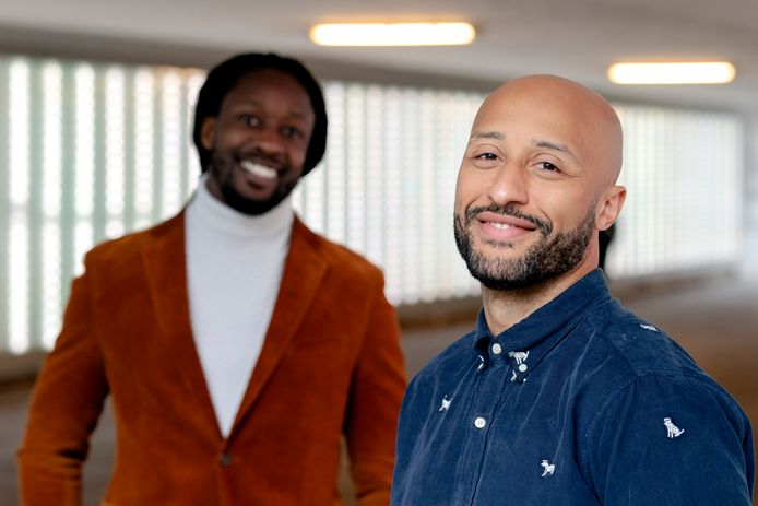 Iinitiatiefnemers Akwasi en Gianni Grot van de nieuwe Omroep Zwart.