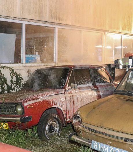 Politie onderzoekt oldtimerbrand in Bant