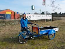 Afvalcoach gaat met boedelbak door Schiedam