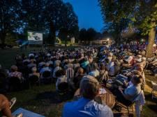 Film kijken op 't Heuveltje in Aarle-Rixtel