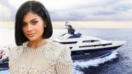 BINNENKIJKEN. Meer dan 1 miljoen euro per week: Kylie Jenner huurt peperduur jacht voor haar verjaardag