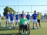 ALS-patiënt Piet Vromans met voetballers Erp in actie voor zijn ziekte