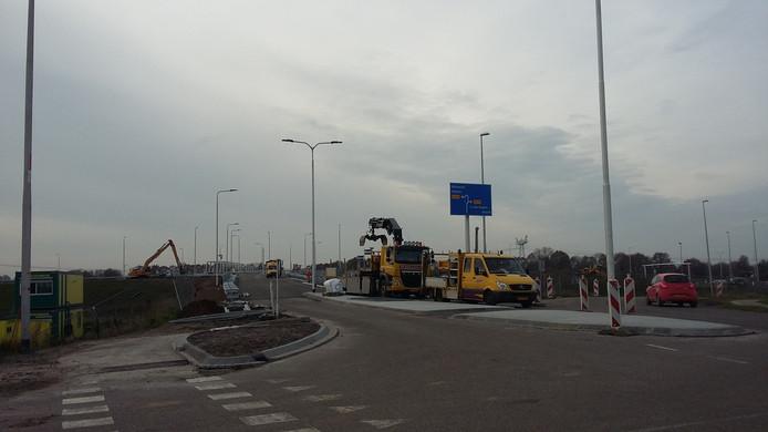 De aansluiting op de N279 bij de Runweg wordt komend weekend gereed gemaakt.