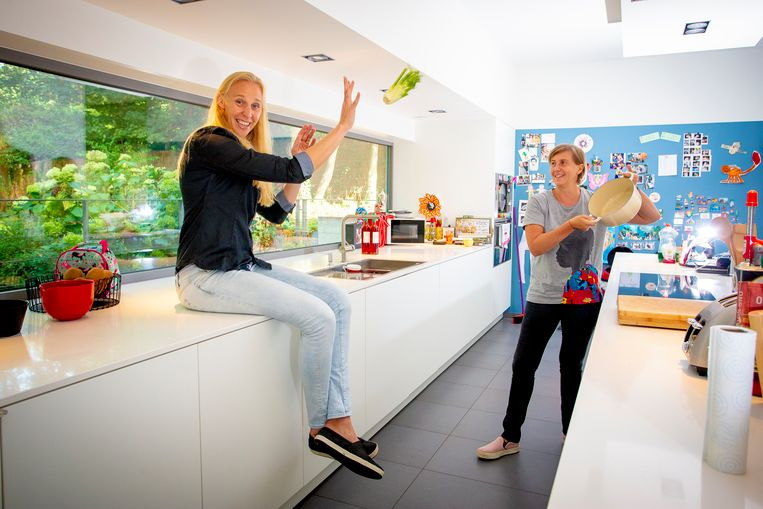 Ook in de keuken ten huize Wauters-Wielfaert is basketbal nooit ver weg.