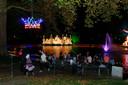 Eén van de meest bezochte punten tijdens de Lichtjesroute is de 'Eendjes-vijver'.