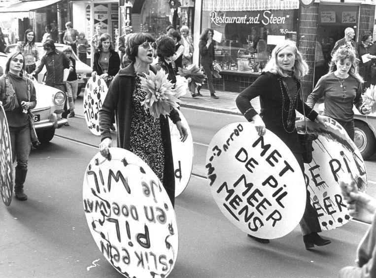1972: Demonstratie om de pil in het ziekenfonds te krijgen.  Beeld ANP