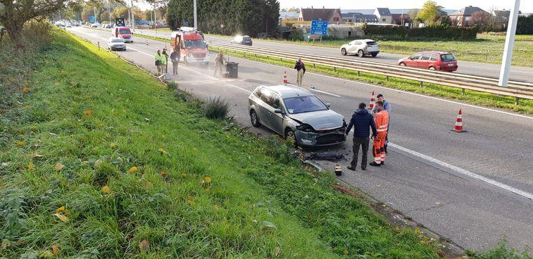 De hulpdiensten op de plaats van het ongeval.