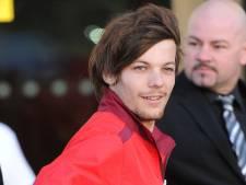 One Direction-lid verkoopt selfies voor voetbalclub