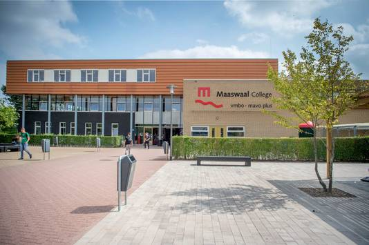 Het Maaswaal College, nu nog vallend onder het bestuur van Alliantie VO.