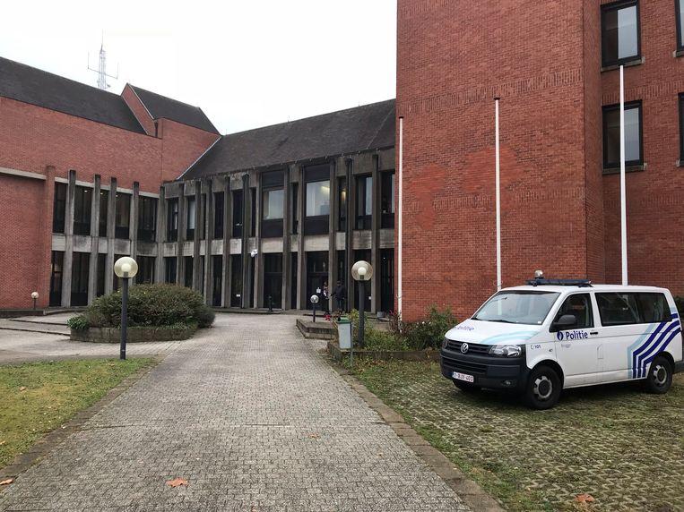 De man daagde niet op in de rechtbank van Brugge.