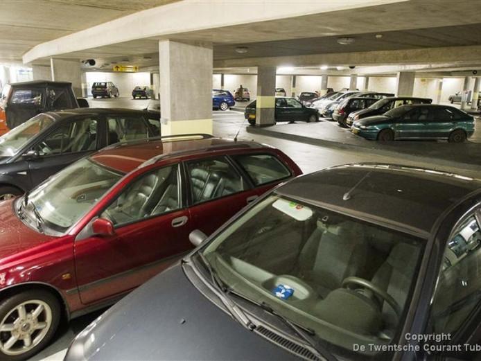 De parkeergarage onder het Europaplein is lek
