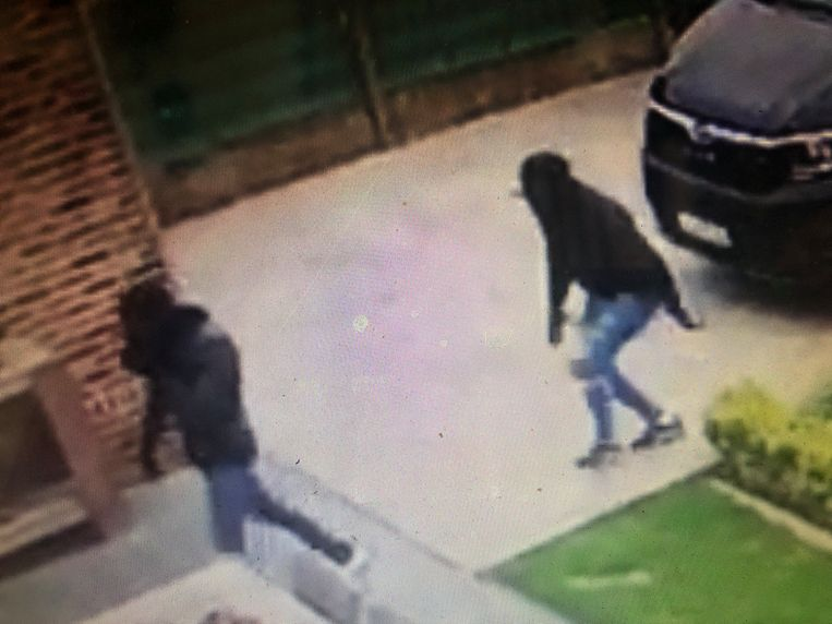 Bij de inbraak twee weken geleden in Jeuk was de daders hun gezicht volledig verhuld en droegen ze ook handschoenen.