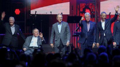 Vijf Amerikaanse ex-presidenten op hetzelfde podium voor goede doel