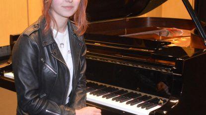 Alexia mag lied voor terreurslachtoffers brengen op herdenking